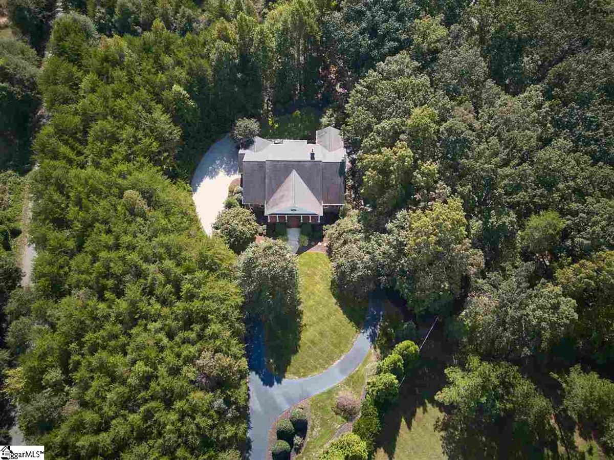 Mansions in gorgeous estate in sought after North Greenville