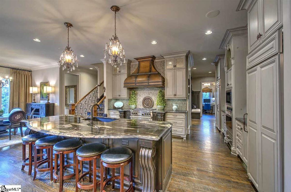 Luxury homes in custom estate in coveted Southampton