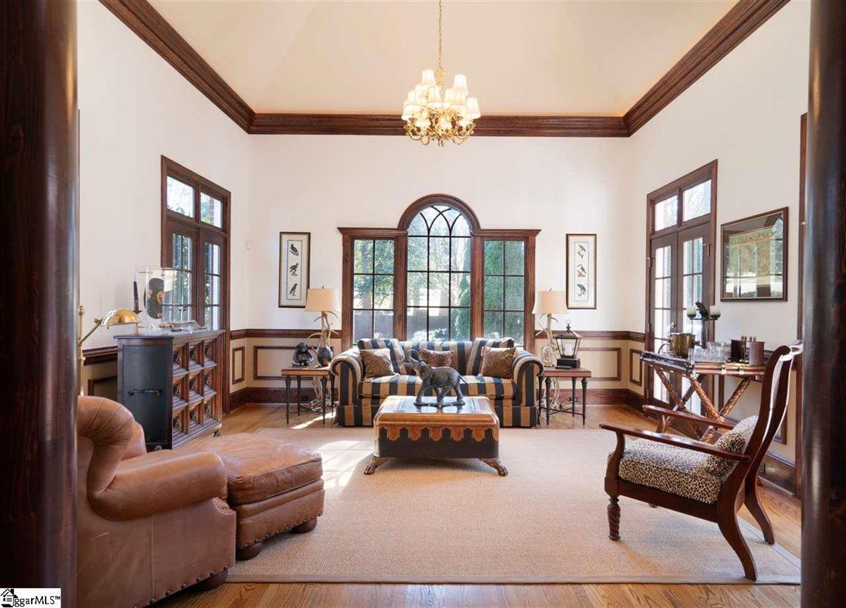Luxury properties 5 Redgold Court