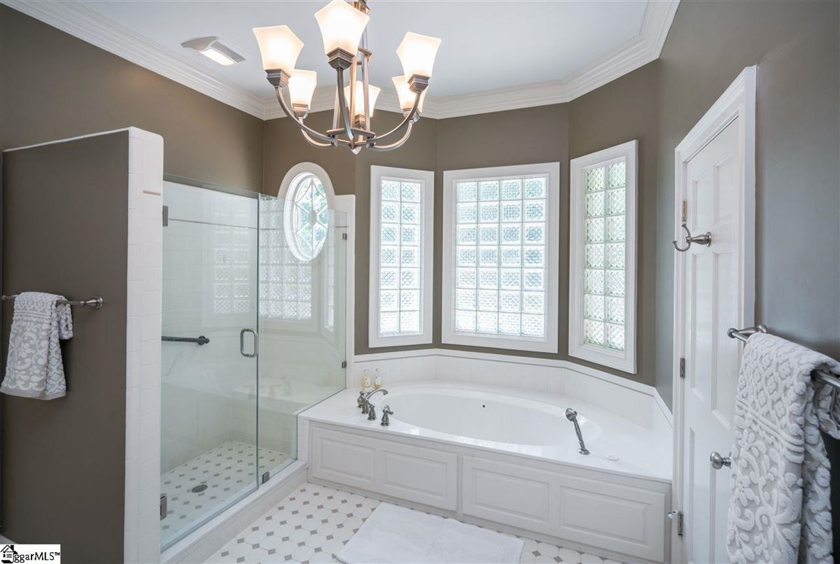 Luxury homes custom home with traditional elegance