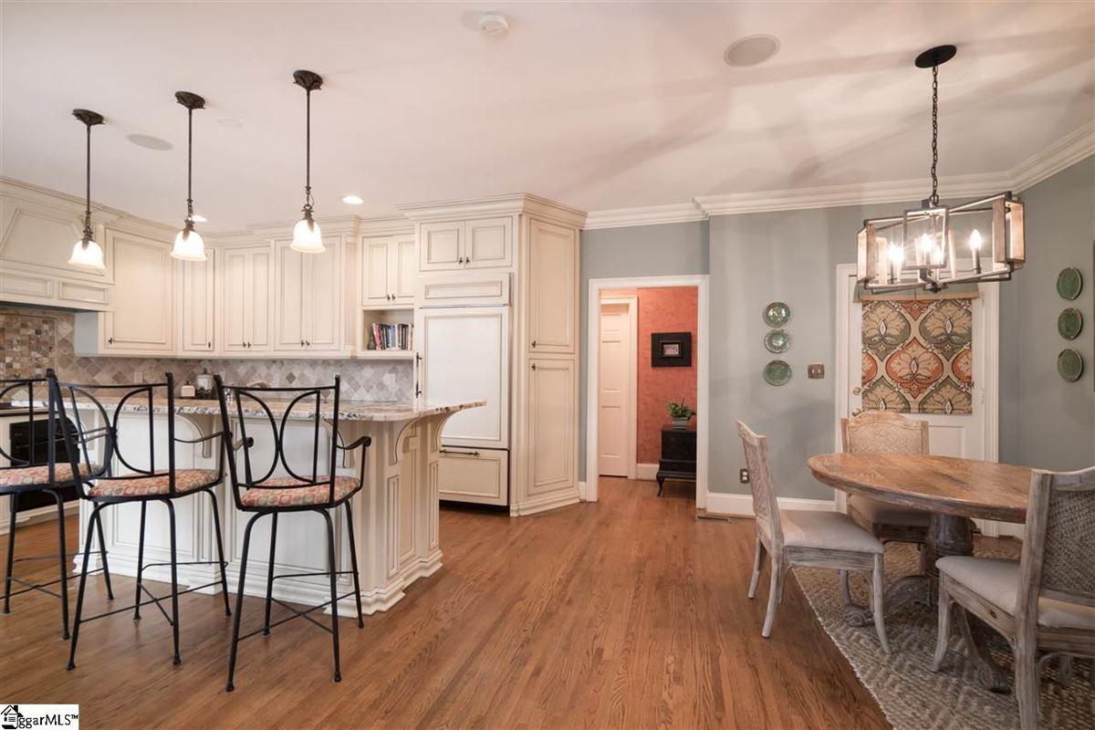 226 Riverside Drive mansions