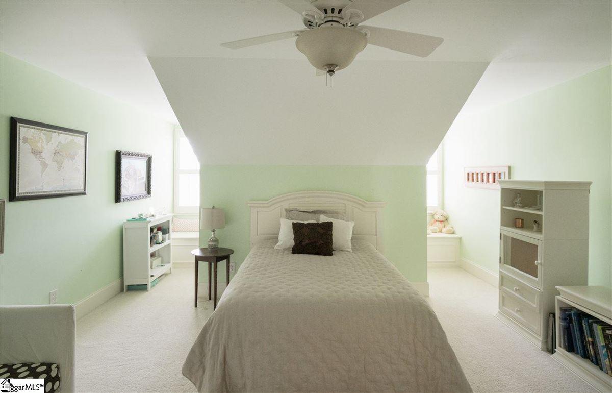 Luxury real estate 226 Riverside Drive