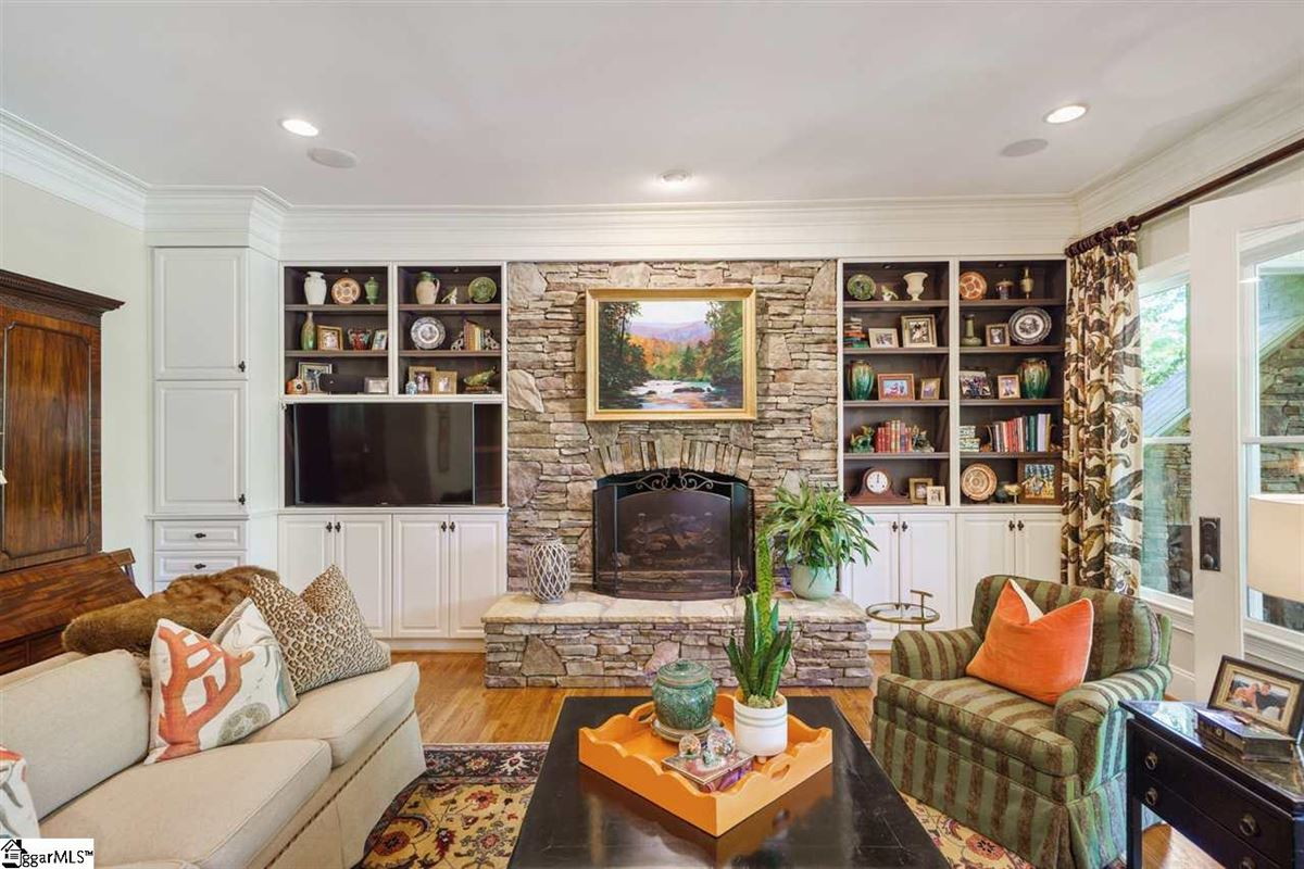 well-maintained five bedroom home luxury properties