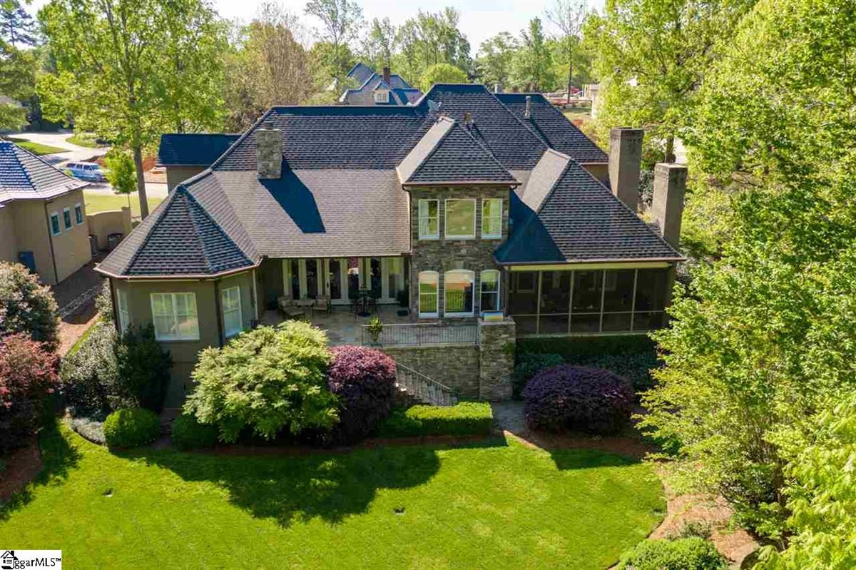 Luxury homes well-maintained five bedroom home