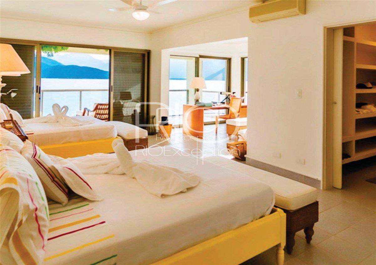 Luxury homes  PRIVATE ISLAND UBATUBA BAY