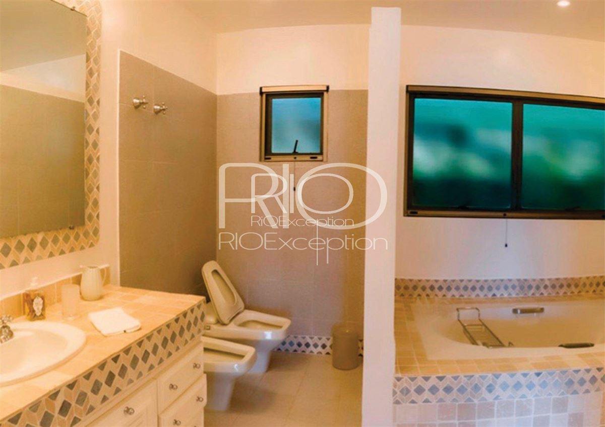 Luxury properties  PRIVATE ISLAND UBATUBA BAY