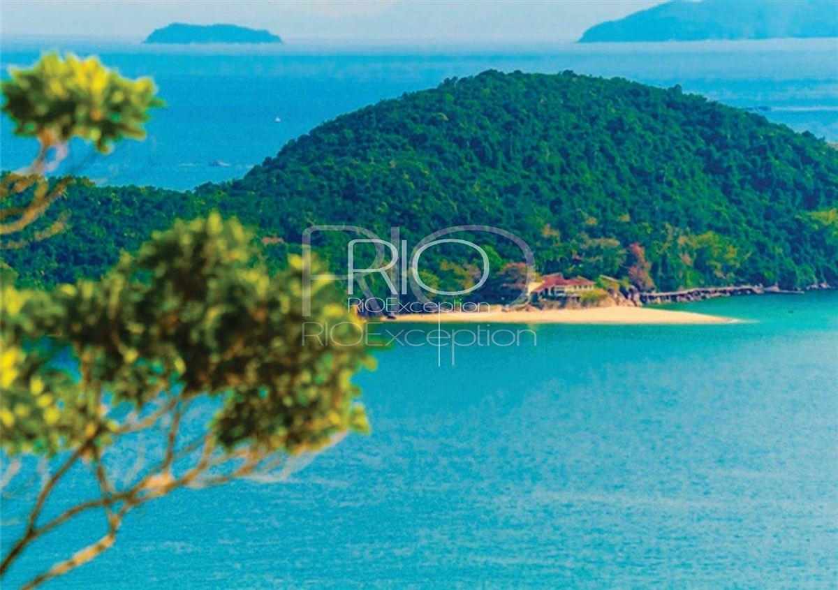 Mansions in  PRIVATE ISLAND UBATUBA BAY