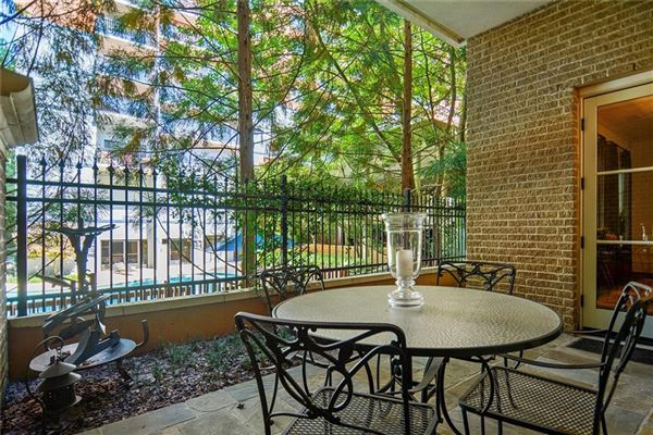 Mansions in Beautiful luxury townhome