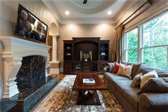 Mansions in spectacular and spacious custom home