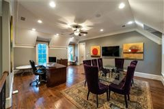 spectacular and spacious custom home luxury properties