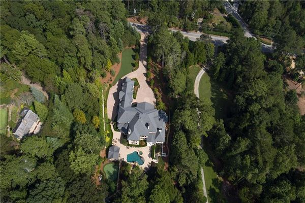 Luxury properties spectacular and spacious custom home