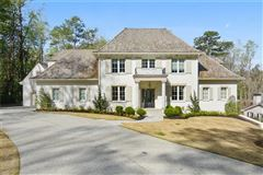 Exquisite newer construction in kingswood mansions