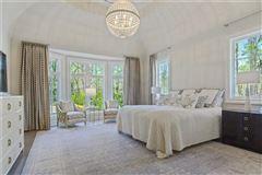Exquisite newer construction in kingswood luxury properties
