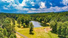 Luxury homes 200-acre mountain estate