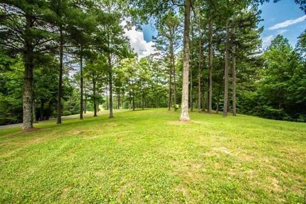 200-acre mountain estate luxury homes