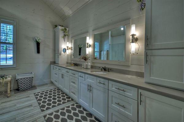 Luxury homes refined living on Lake Blue Ridge