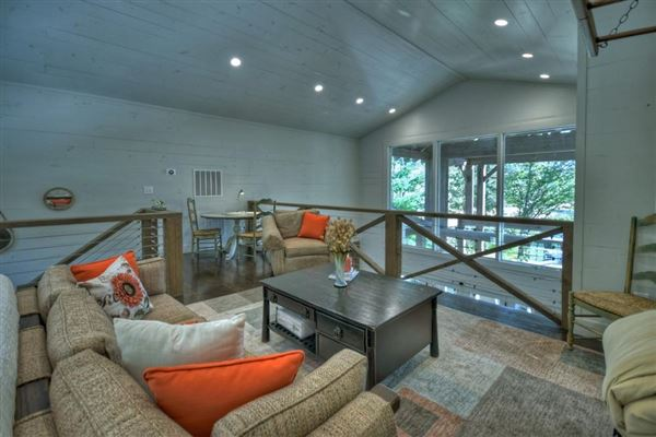 refined living on Lake Blue Ridge mansions