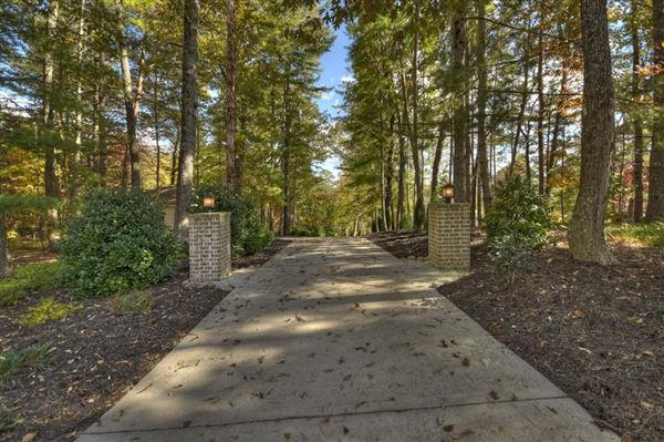Mansions refined living on Lake Blue Ridge