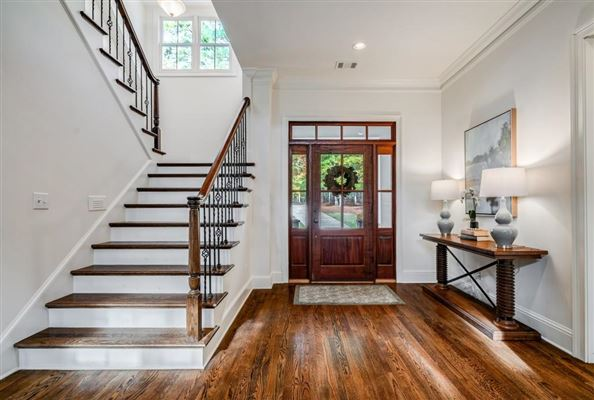 beautiful home in Reynolds Plantation mansions