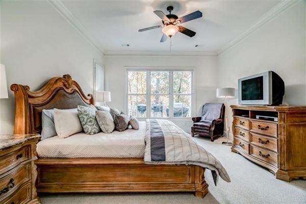 beautiful home in Reynolds Plantation luxury properties