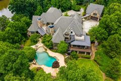 Luxury homes in an incomparable lifestyle of luxury and privacy