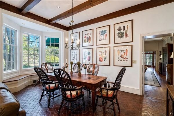 Luxury homes in Thoughtfully designed home in Harris Glen