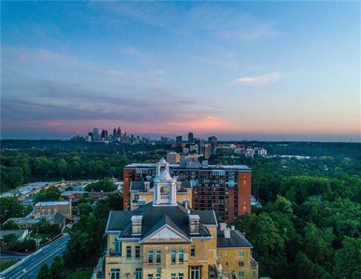 Luxury real estate The Hightower in the graydon