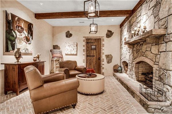 exquisite estate in highly desirable location mansions