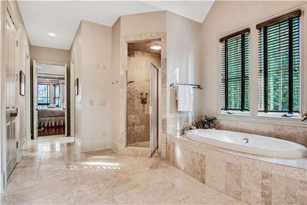 Luxury homes exquisite estate in highly desirable location