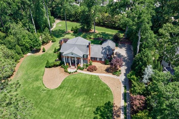 Luxury homes opportunity in Historic Brookhaven