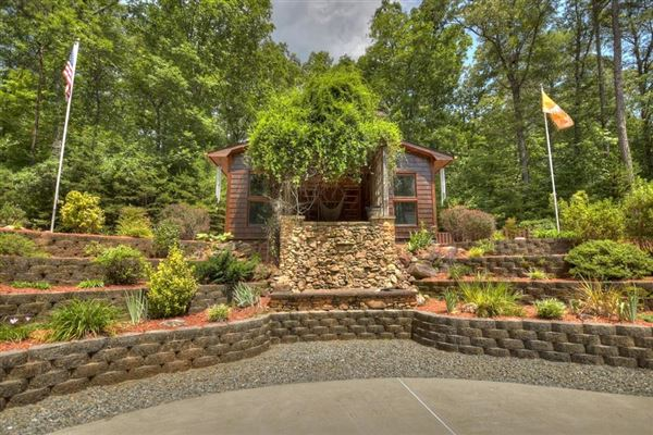 grand MountainEstatewith private acres and creek frontage luxury homes
