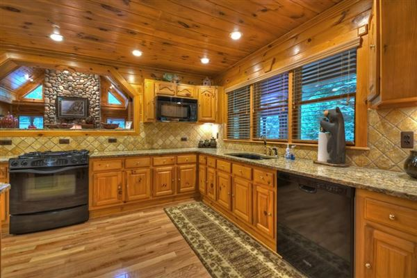 grand MountainEstatewith private acres and creek frontage luxury real estate