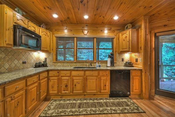 grand MountainEstatewith private acres and creek frontage luxury properties