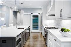Luxury homes Beautiful home with Fabulous lake views