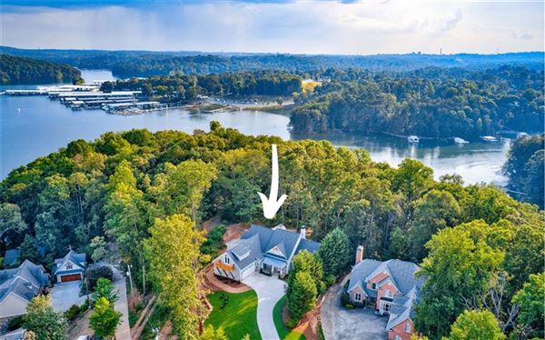 Mansions Beautiful home with Fabulous lake views