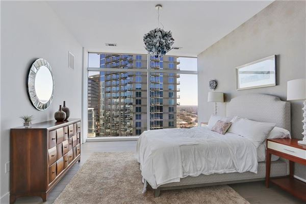 Mansions Sought-after two-story penthouse on top of the W Residences