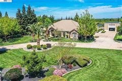 Luxury homes in Immaculate Gated Vineyard Estate