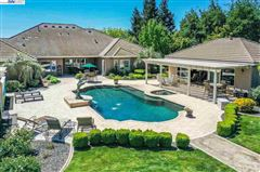 Immaculate Gated Vineyard Estate luxury real estate