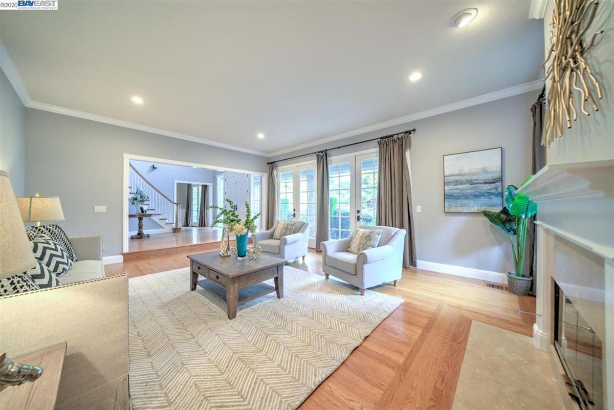 Luxury homes stunning home in a quiet, picturesque neighborhood