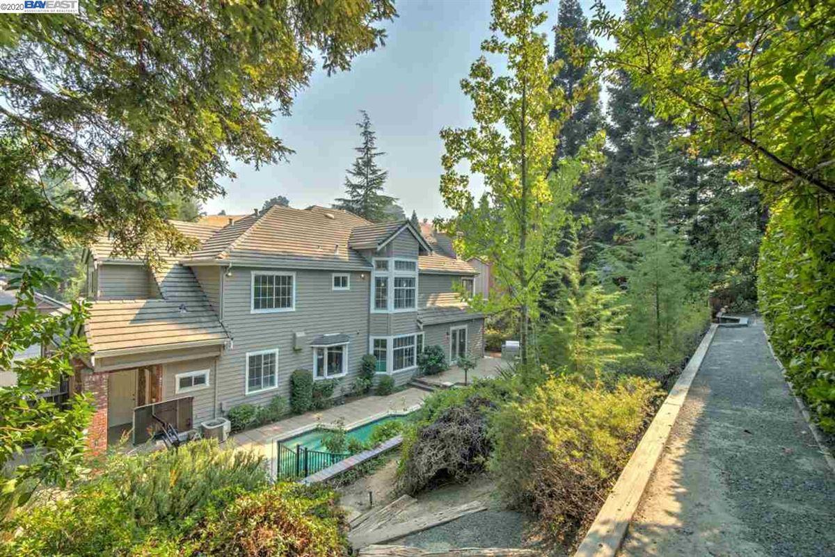 stunning home in a quiet, picturesque neighborhood luxury properties