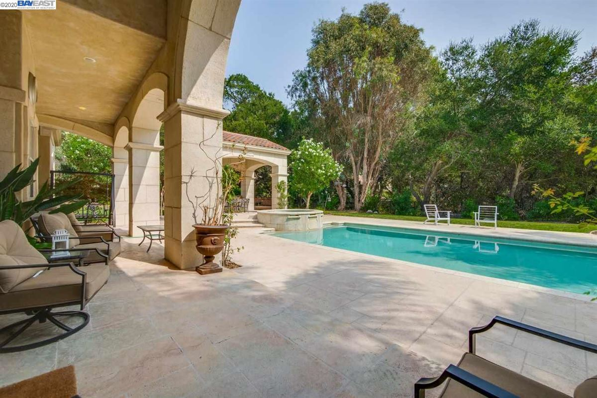 Luxury homes the essence of luxury