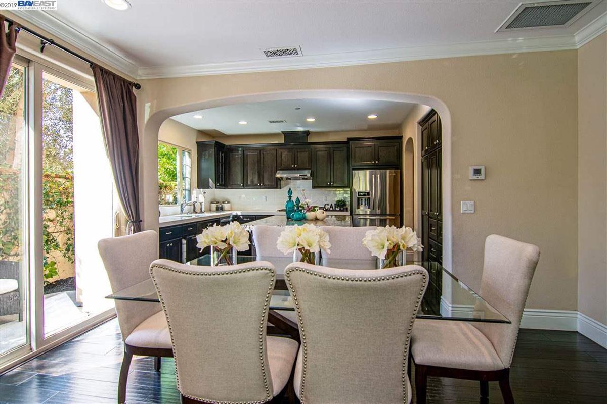 Luxury properties stunning home in milpitas