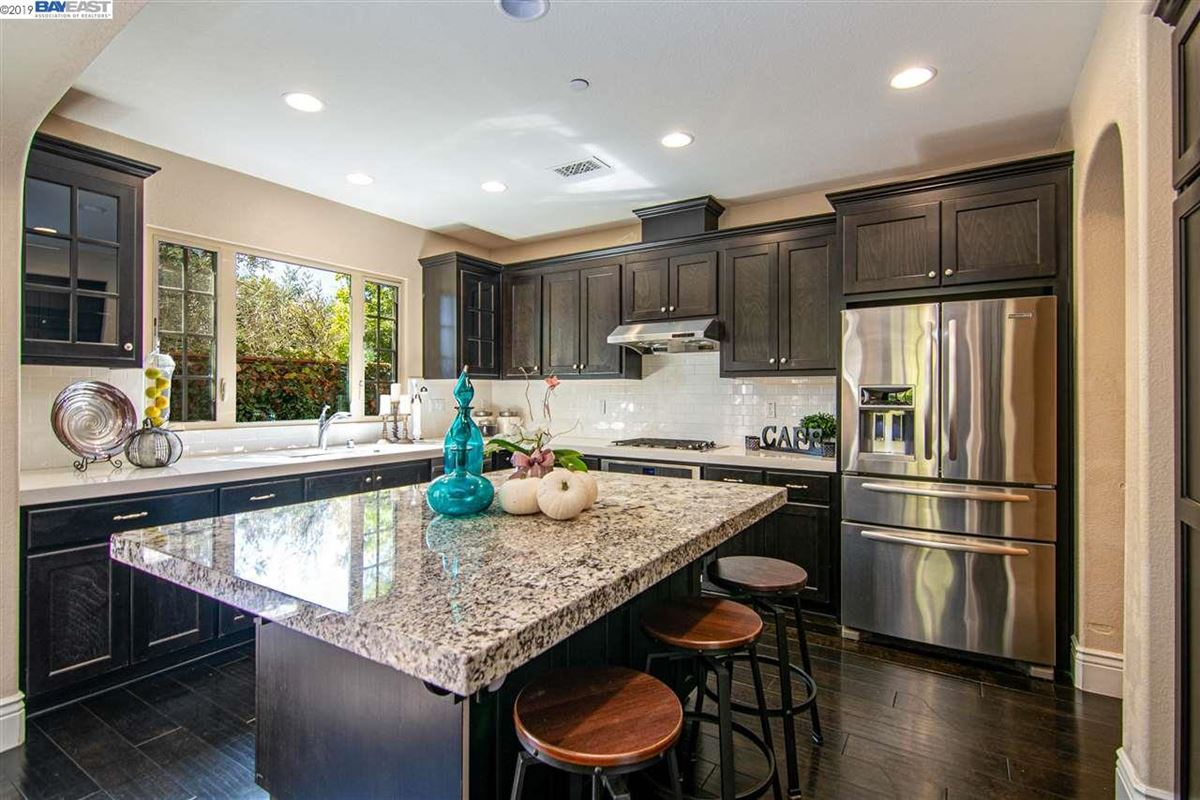 Mansions stunning home in milpitas
