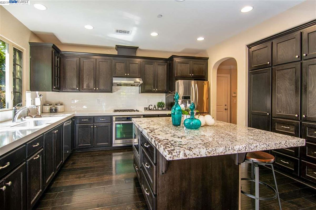 stunning home in milpitas mansions
