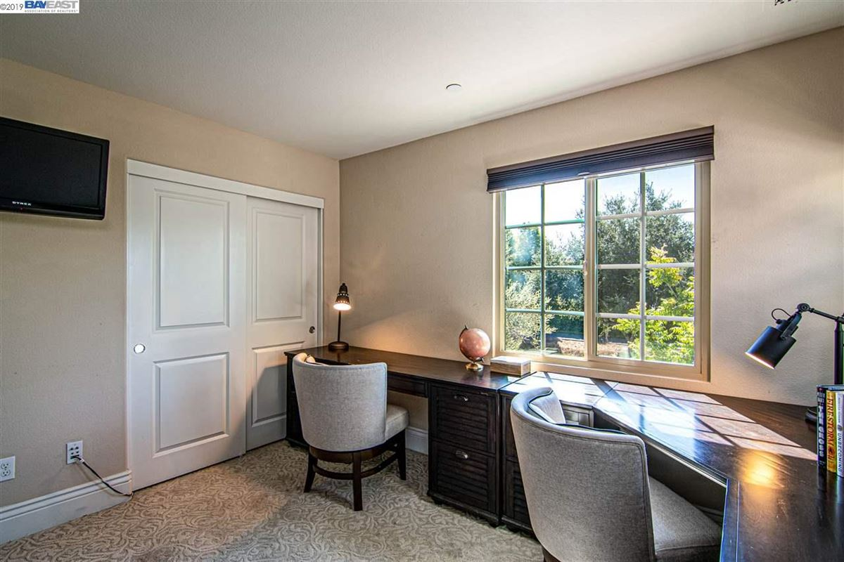 Mansions in stunning home in milpitas