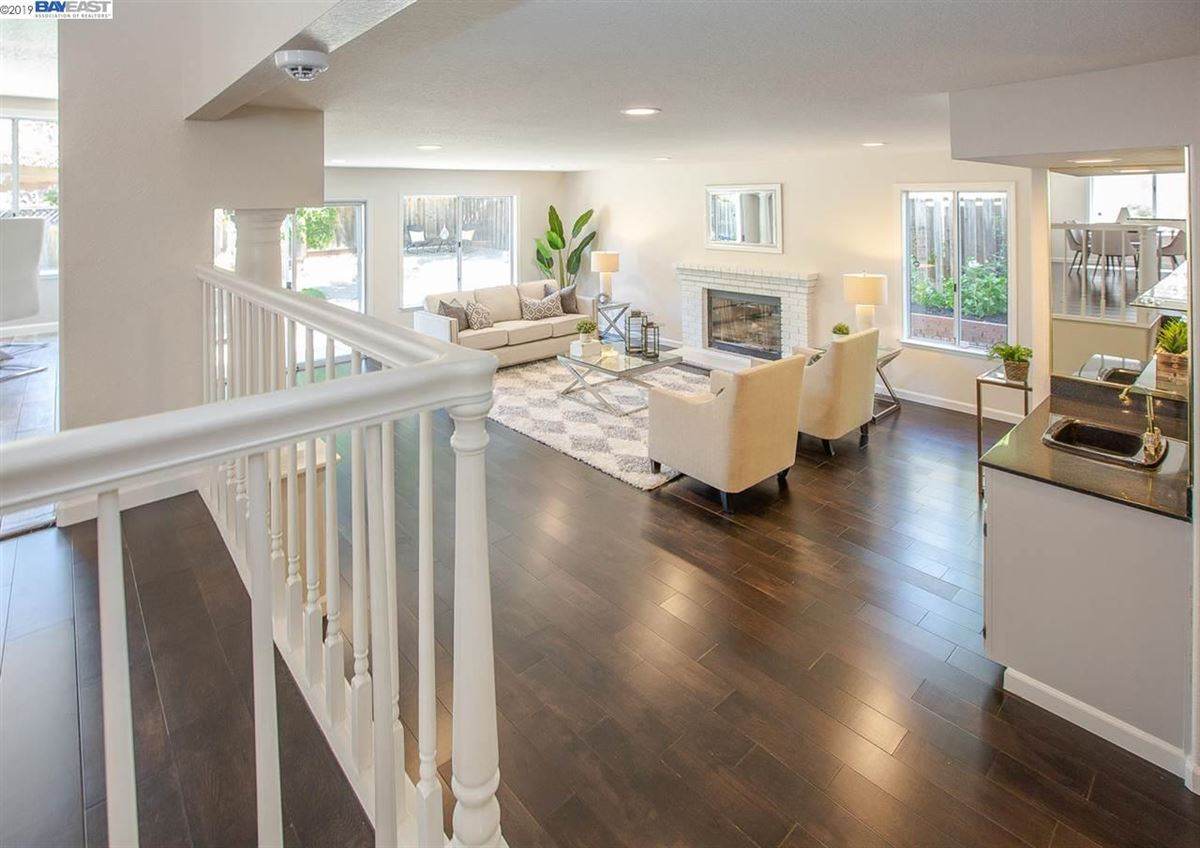 Luxury homes Move-in-ready and wonderfully quiet