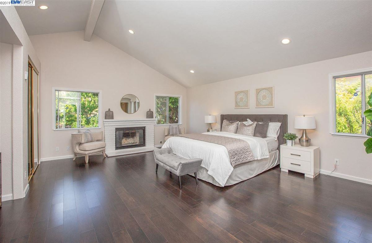 Luxury homes in Move-in-ready and wonderfully quiet