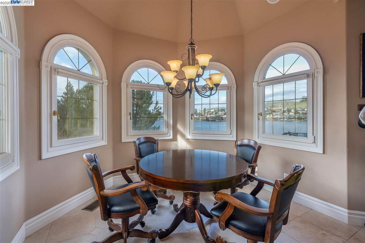 Luxury homes in this majestic beauty sits lakefront with views of the water from most rooms