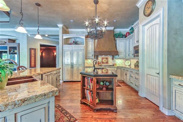 Luxury homes in a great home for entertaining