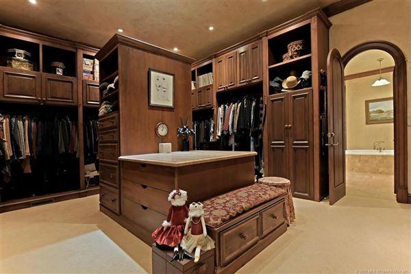 Luxury real estate custom stunner on nearly 10 acres